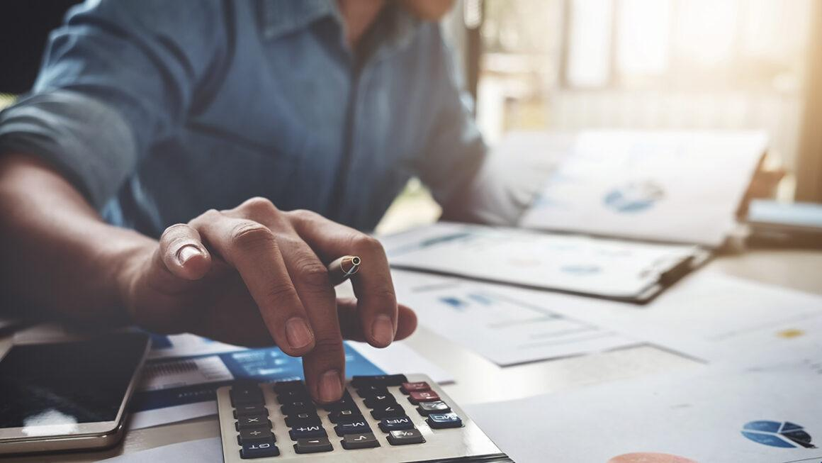 FOUR TIPS ON PREVENTING FINANCIAL DEBT AND MANAGING YOUR BUDGET SMARTER